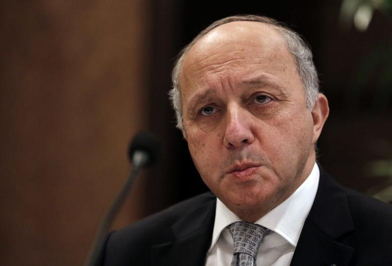 French Foreign Minister Laurent Fabius addresses the media during the 15th Delhi Sustainable Development Summit organised by The Energy and Resources Institute (TERI) in New Delhi February 5, 2015.  REUTERS/Adnan Abidi