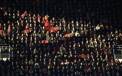"""Болельщики """"Арсенала"""" на матче Кубка Англии против """"Миддлсбро"""" в Лондоне. 15 февраля 2015 года. REUTERS/Dylan Martinez"""