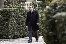 Primeiro-ministro grego, Alexis Tsipras, deixa Palácio Presidencial depois de reunir-se com o presidente Karolos Papoulias, em Atenas. 18/2/2015 REUTERS/Alkis Konstantinidis