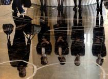 Foto de archivo. Hotel Sofitel, Pekín, 19 nov, 2007. La actividad del sector de servicios de China se expandió levemente en febrero debido a que las nuevas órdenes crecieron a su mayor ritmo en tres meses, mostró un sondeo privado pocos días después de que el banco central recortó las tasas de interés para estimular a la segunda mayor economía mundial. REUTERS/David Gray/Files