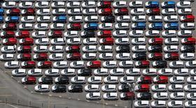 Carros em pátio da Ford na fábrica da empresa em São Bernardo do Campo. 12/02/2015 REUTERS/Paulo Whitaker