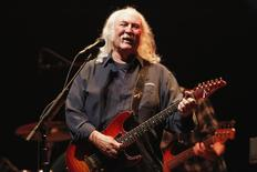 Musician David Crosby performs during a benefit concert to help defeat Proposition 32 on the State of California?s November election ballot at Nokia theatre in Los Angeles, California October 3, 2012.   REUTERS/Mario Anzuoni