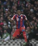 Alaba comemorando gol em partida contra o Werder Bremen.  14/03/2015   REUTERS/Fabian Bimmer
