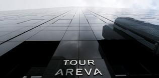 Areva est l'une des valeurs à suivre jeudi à la Bourse de Paris, au lendemain de la publication d'un chiffre d'affaires en baisse de 1,1% au titre du premier trimestre 2015. Le groupe a indiqué qu'il continuait de travailler à l'élaboration de son plan de financement. /Photo prise le 23 février 2015/REUTERS/Gonzalo Fuentes