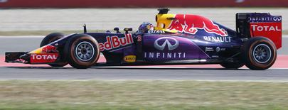 Red Bull Formula One driver Daniel Ricciardo of Australia drives his car during the first free practice ahead of the Spanish Grand Prix at the Circuit de Barcelona-Catalunya racetrack in Montmelo, near Barcelona, Spain, May 8, 2015. REUTERS/Gustau Nacarino
