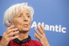 Christine Lagarde el 9 de abril de 2015 en Washington. La directora gerente del Fondo Monetario Internacional (FMI) dijo a un diario alemán que la salida de Grecia de la zona euro es posible, pero que probablemente no será una señal del fin de la moneda única europea. REUTERS/IMF Staff Photo/Stephen Jaffe/Handout via Reuters