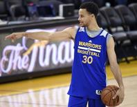 Golden State Warriors guard Stephen Curry (30) during practice prior to the NBA Finals at Oracle Arena; Jun 3, 2015; Oakland, CA, USA; Kyle Terada-USA TODAY Sports