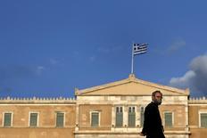 La Commission européenne a bien reçu mardi les nouvelles propositions de la Grèce dans le cadre de la négociation d'un nouvel accord sur sa dette avec ses créanciers internationaux, a confirmé mardi un porte-parole de l'exécutif européen. /Photo prise le 6 juin 2015/REUTERS/Alkis Konstantinidis