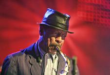 Saxophonist Ornette Coleman performs during the 40th Montreux Jazz festival in Montreux, in this file photo taken July 2, 2006.  REUTERS/Dominic Favre/Files