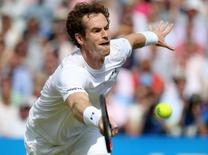 Aegon Championships - Queens Club, London - 18/6/15. Great Britain's Andy Murray in action during his second round match. Action Images via REUTERS/Paul Childs