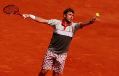 Tennis - French Open - Roland Garros, Paris, France - 5/6/15 Men's Singles - Stan Wawrinka of Switzerland serves during the semi final Action Images via Reuters / Jason Cairnduff Livepic