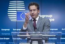 """El presidente del Eurogrupo, Jeroen Dijsselbloem, en una conferencia de prensa, 27 de junio  de 2015 en Bruselas. La decisión de los griegos de votar """"No"""" en un referendo sobre los términos de su rescate dificulta las discusiones con sus acreedores, pero el objetivo sigue siendo que el país permanezca dentro de la zona euro, dijo el lunes el jefe de los ministros de Finanzas del bloque. REUTERS/Yves Herman"""
