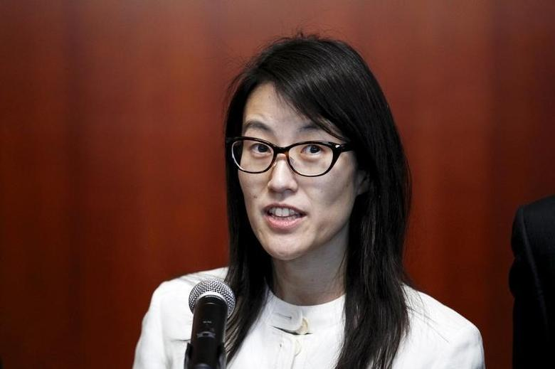 Ellen Pao speaks to the media after losing her high profile gender discrimination lawsuit against venture capital firm Kleiner, Perkins, Caufield and Byers in San Francisco, California March 27, 2015.  REUTERS/Beck Diefenbach