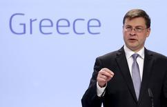 El vicepresidente de la Comisión Europea, Valdis Dombrovskis, durante una conferencia de prensa en la sede de la Comisión Europea, en Bruselas, Bélgica, 15 de julio de 2015.La Comisión Europea propondrá dar a Grecia un crédito puente por 7.000 millones de euros (7.700 millones de dólares) para cubrir sus necesidades de financiamiento de julio, usando el Mecanismo Europeo de Estabilidad Financiera (MEEF), según documentos del órgano ejecutivo de la UE. REUTERS/Francois Lenoir