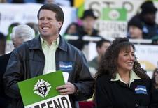 Jim Bob Duggar e a esposa, Michelle Duggar, cuja família foi protagonista de um reality show cancelado por polêmica sobre abuso sexual infantil.  14/01/2012 REUTERS/Chris Keane