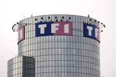 TF1 prévoit une stabilité du marché net de la publicité télévisuelle au second semestre après avoir enregistré sur les six premiers mois de son exercice 2015 une progression de 0,6% de son chiffre d'affaires publicitaire malgré l'absence d'événements sportifs majeurs sur la période. /Photo d'archives/REUTERS/Charles Platiau