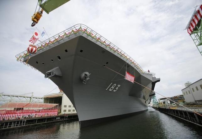 7月31日、米国のオバマ政権が「アジア重視」を掲げてから約3年が経つが、アジアの米同盟諸国はいささかか納得していないように見える。写真は海上自衛隊の護衛艦「いずも」。2013年8月撮影(2015年 ロイター/Toru Hanai)