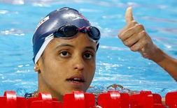 A brasileira Etiene Medeiros na semifinal da prova de 50 metros costas no mundial de natação de Kazan, na Rússia, na quarta-feira. 05/08/2015 REUTERS/Michael Dalder