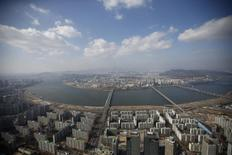 Han river and central Seoul are seen in this aerial view taken from 99th floor of Lotte World Tower, which is currently under construction, in Seoul March 4, 2015.    REUTERS/Kim Hong-Ji