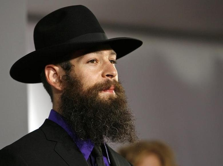 Jewish reggae artist Matisyahu arrives at the 49th Annual Grammy Awards in Los Angeles February 11, 2007.  REUTERS/Mario Anzuoni