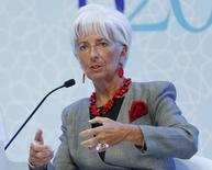 La directora gerente del Fondo Monetario Internacional, Christine Lagarde, se pronuncia durante una conferencia en Ankara, el 4 de septiembre del 2015. Las economías más grandes del mundo deben acelerar las reformas pro crecimiento en línea con los objetivos que se establecieron el año pasado, utilizando una mezcla de estímulo monetario, política fiscal y reformas estructurales, dijo la directora gerente del Fondo Monetario Internacional. REUTERS/Umit Bektas