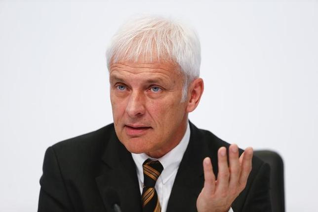 9月24日、関係筋によると、独VWは25日、引責辞任したウィンターコーン最高経営責任者の後任に、傘下ポルシェのトップ、マティアス・ミューラー氏(写真)を指名するとみられる。シュツットガルトで3月撮影(2015年 ロイター/Ralph Orlowski)