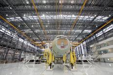An Airbus A321 is being assembled in the final assembly line hangar at the Airbus U.S. Manufacturing Facility in Mobile, Alabama September 13, 2015. REUTERS/Michael Spooneybarger