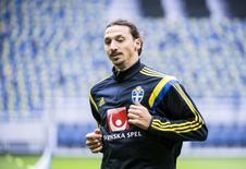 Atacante sueco Zlatan Ibrahimovic durante treino em Estocolmo, na Suécia. 07/09/2015  REUTERS/Pontus Lundahl/TT News Agency
