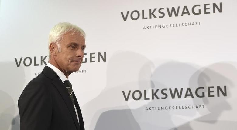 New Volkswagen CEO Matthias Mueller arrives for a news conference at Volkswagen's headquarters in Wolfsburg, Germany September 25, 2015.   REUTERS/Fabian Bimmer