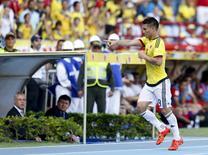 Téo Gutierrez comemora gol da Colômbia contra o Peru em Barranquilla. 8/10/2015. REUTERS/John Vizcaino