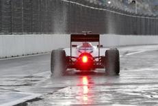 Carro da Williams durante treino do Grande Prêmio da Rússia de F1, em Sochi.  09/10/2015    REUTERS/Grigory Dukor