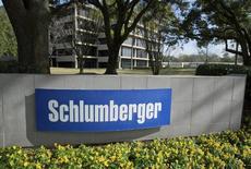 El edificio corporativo de la corporación Schlumberger en West Houston, EEUU, ene 16, 2015. Schlumberger, el mayor proveedor de servicios petroleros, recortará más empleos y consolidará su red de manufactura y distribución debido a que no espera que la demanda se recupere antes del 2017.    REUTERS/Richard Carson