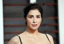 Actress Sarah Silverman arrives at the 2015 Vanity Fair Oscar Party in Beverly Hills, California February 22, 2015. REUTERS/Danny Moloshok (UNITED STATES - Tags:ENTERTAINMENT)