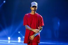 Cantor pop canadense Justin Bieber durante apresentação em Milão.   25/10/2015   REUTERS/Stefano Rellandini