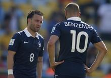 Mathieu Valbuena e Karim Benzema durante partida contra Alemanha no Rio de Janeiro, na Copa do Mundo de 2014.   04/07/2015    REUTERS/Charles Platiau