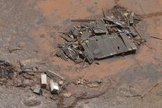 Distrito de Bento Rodigues, coberto de lama após rompimento de barragens da Samarco. 10/11/2015   REUTERS/Ricardo Moraes