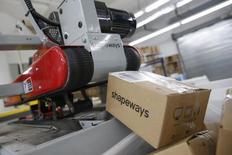 Unos paquetes listos para ser despachados en la firma de impresiones tridimensionales Shapeways 3D en Nueva York, sep 17, 2014. La actividad manufacturera del estado de Nueva York se contrajo más de lo previsto en noviembre, y por cuarto mes consecutivo, mostró el lunes un sondeo de la Reserva Federal.   REUTERS/Shannon Stapleton