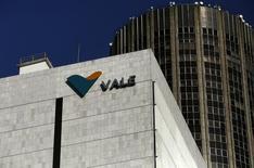 Logotipo da Vale no prédio-sede da mineradora no Rio de Janeiro. 20/08/2014. REUTERS/Pilar Olivares