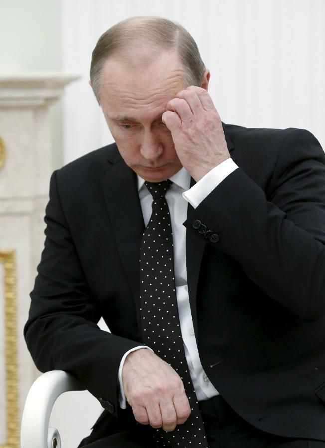 بوتين: إسقاط الطائرة الروسية عمل من أعمال الخيانة