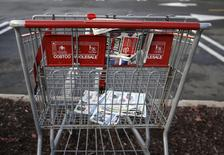 An empty shopping cart is seen in a shopping center parking lot in Westbury, New York November 27, 2015. REUTERS/Shannon Stapleton