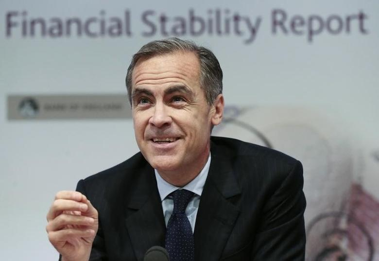 Mark Carney speaks during a news conference at the Bank of England in London, Britain, December 1, 2015.  REUTERS/Suzanne Plunkett