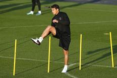 Thiago Silva participa de treino do Paris St Germain.  7/12/15.   REUTERS/Benoit Tessier