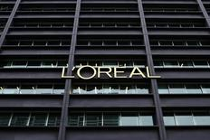 Publicis a perdu le budget médias de L'Oréal, l'un des plus importants annonceurs mondiaux, aux Etats-Unis, encaissant un revers supplémentaire après la perte de plusieurs gros contrats. /Photo d'archives/REUTERS/Benoît Tessier