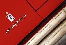 Le constructeur automobile indien Mahindra & Mahindra serait sur le point de signer un accord portant sur le rachat du designer italien Pininfarina, une transaction qui verrait une nouvelle marque transalpine de renom passer sous bannière asiatique. /Photo d'archives/REUTERS/Alessandro Bianchi