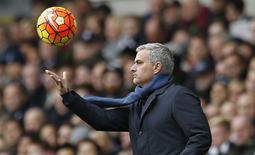 José Mourinho em partida do Chelsea na Liga Inglesa.  29/11/2015 Action Images via Reuters / Paul Childs Livepic