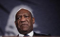 El actor Bill Cosby habla en la gala de los 20° Premios Keepers of the Dream, en Nueva York, 6 de abril de 2011. Fiscales de Pensilvania dijeron el miércoles que el comediante estadounidense Bill Cosby fue acusado de agresión sexual por un incidente ocurrido en 2004. REUTERS/Lucas Jackson