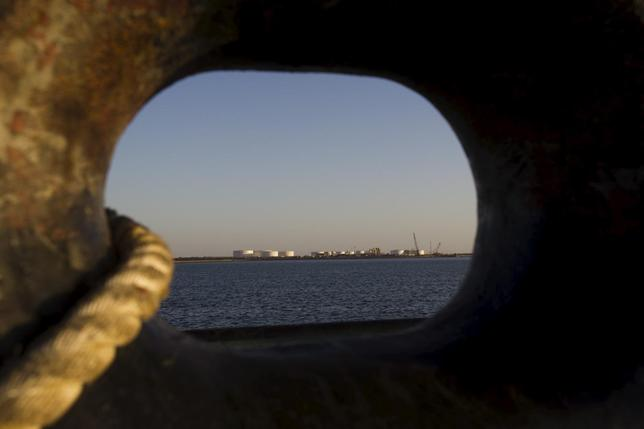 A general view of an oil dock is seen from a ship at the port of Kalantari in the city of Chabahar, 300km (186 miles) east of the Strait of Hormuz in this January 17, 2012 file photo. REUTERS/Raheb Homavandi/Files