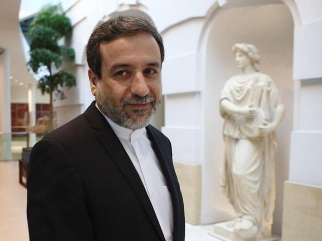 1月25日、イランのアラグチ外務次官(写真)は、イランとサウジアラビアは両国間の緊張緩和のためにあらゆる措置をとるべきとの見解を示した。ウィーンで2015年10月撮影(2016年 ロイター/Heinz-Peter Bader)