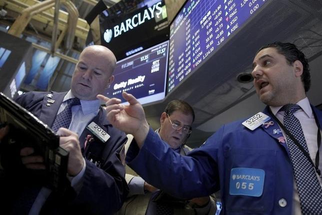 2月1日の週の米国株式市場では、米アルファベット(旧グーグル)やエクソンモービルなどの企業決算や、1月の米雇用統計が注目されている。NY証券取引所で1月撮影(2016年 ロイター/Brendan McDermid)
