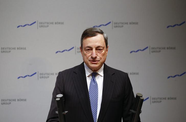 The President of the European Central Bank (ECB) Mario Draghi speaks during the new year's reception of Deutsche Boerse (German stock exchange ) at their headquarters in Eschborn, outside Frankfurt, Germany, January 25, 2016. REUTERS/Kai Pfaffenbach